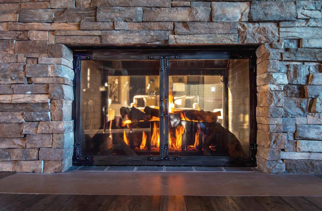 Fireplace_Doors_Stoll